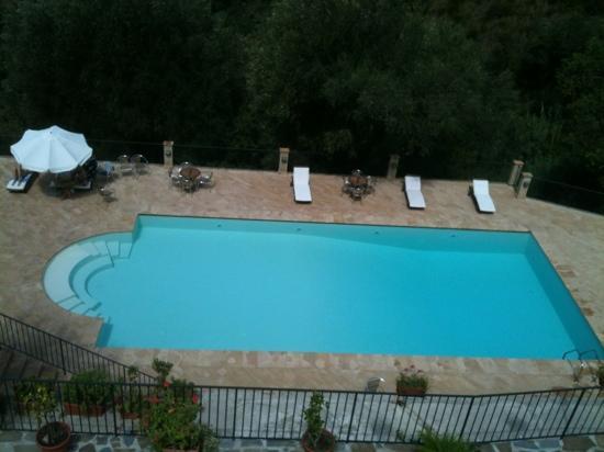 'A Machina - La Locanda del Fiume : pool view from terrace