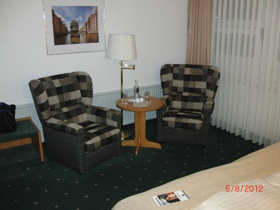 Leonardo Hotel Hamburg City Nord: Sehr gemütliche Sitzecke