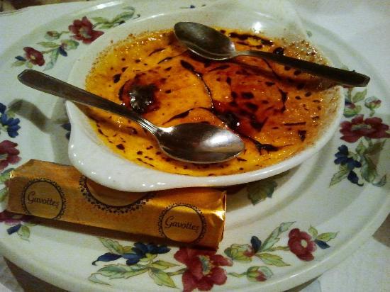 Les fagots : creme brulee con biscottino