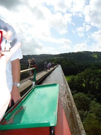 Llangollen Wharf Boat Trips: walkway on one side, sheer drop on the other!