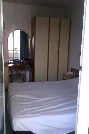 Hotel Thea : Cemera da letto