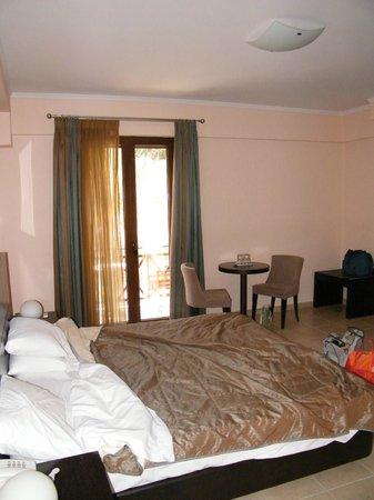 Ahilion Hotel: camera