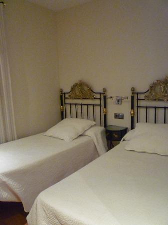 Apartamentos Turisticos Las Nieves: une des deux chambres