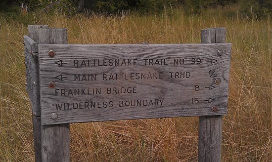 Rattlesnake National Recreation Area: Sign with distances