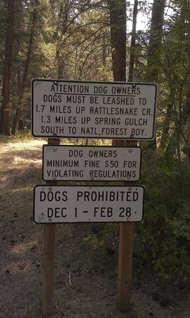 Missoula, MT: Sign for dog owners