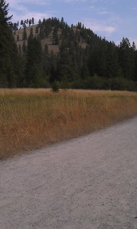 Rattlesnake National Recreation Area : Wide open spaces in places