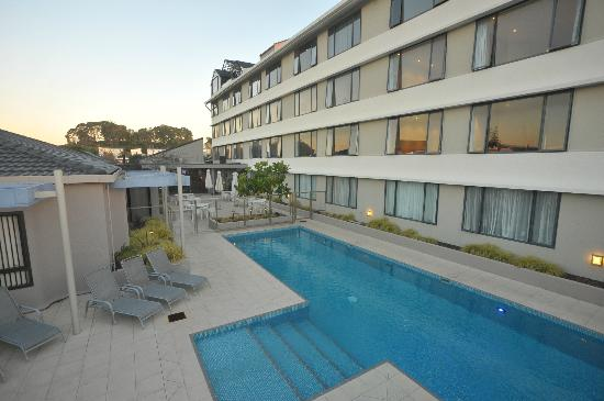 Quality Hotel Plymouth International: Outdoor Heated Pool