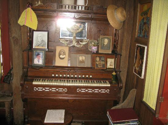 Helvetia Hutte Restaurant: music