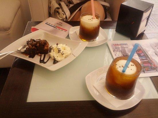 Montelado: Dos frappuccinos y un brownie.