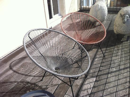 Les Etangs de Corot: Cute chairs to sit on the Balcony