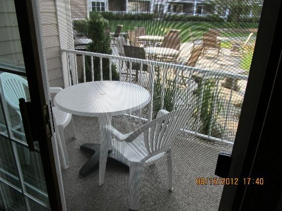 Bridgeport Resort: Private balcony with table and chairs