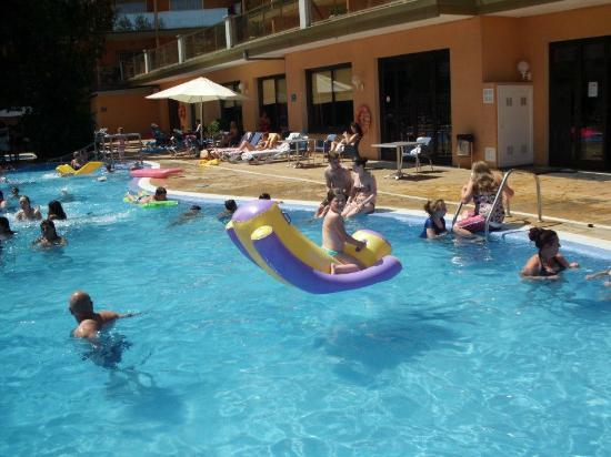 Hotel Bon Repos: pool fun