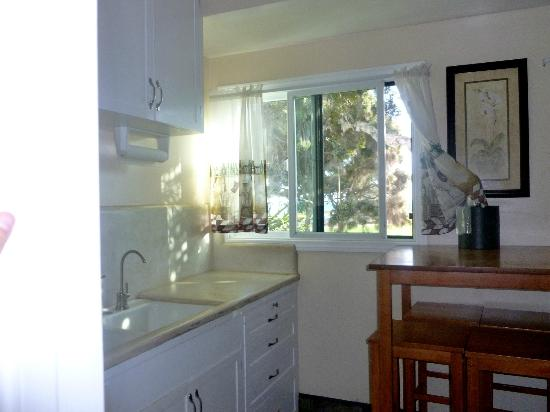 Blue Sands Motel: Kitchen