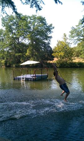 River Run Cabins: The swing