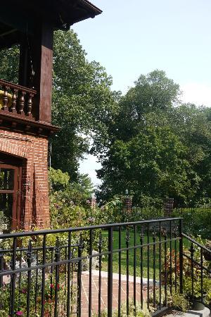 Gramercy Mansion: A