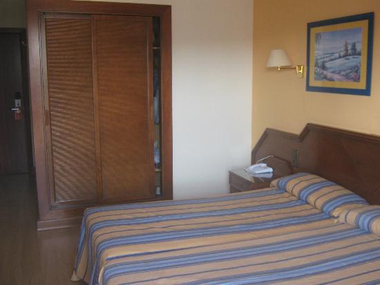 Hotel Monarque Fuengirola Park: habitacion