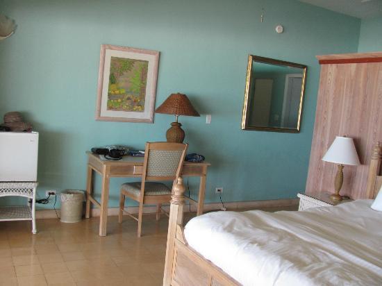 Cape Santa Maria Beach Resort & Villas: King room