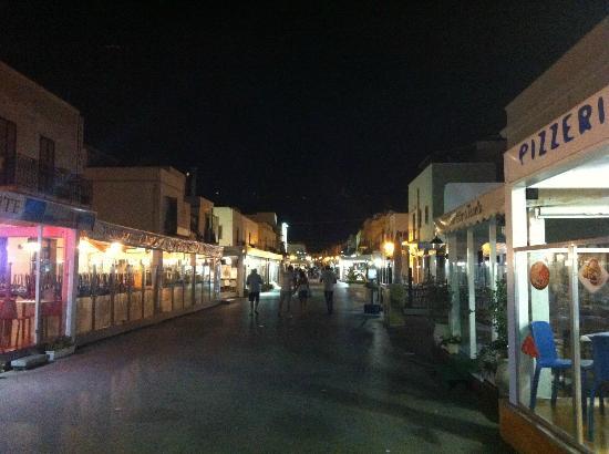 Castelluzzo, Italie : San Vito di notte