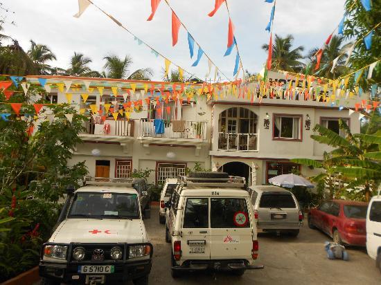 un tr s beau site picture of hotel l 39 amitie jacmel. Black Bedroom Furniture Sets. Home Design Ideas