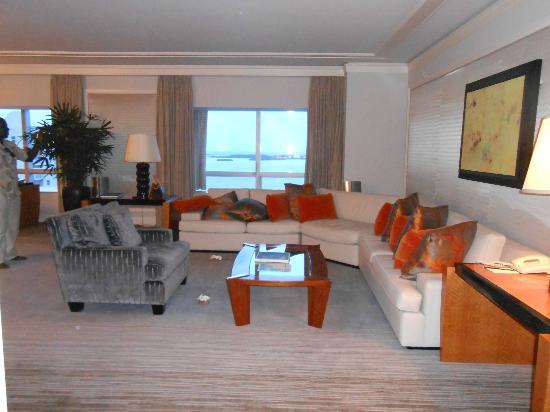 Four Seasons Hotel Miami: Sitting Area