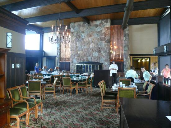 Shanty Creek Resorts - Summit Village: Breakfast Buffet