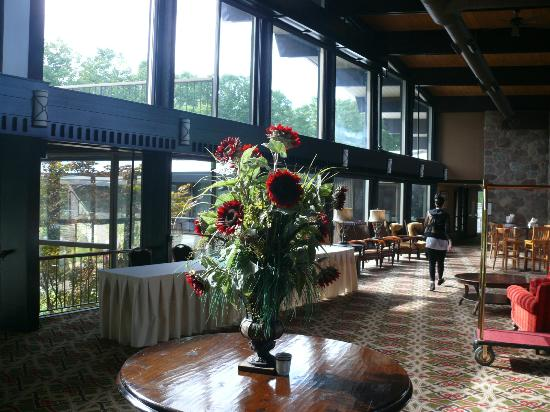 Shanty Creek Resorts - Summit Village: Lobby at Summit