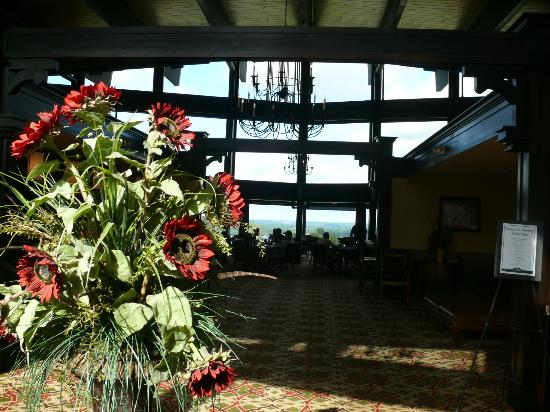 Shanty Creek Resorts - Summit Village: Lobby