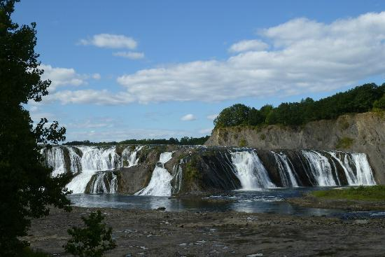 Cohoes Falls, Falls View Park: Cohoes Falls, Cohoes, NY during a dry spell, August 2012