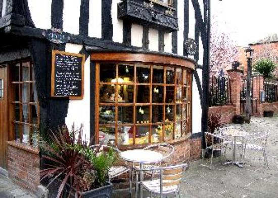 The old bakery tea rooms restaurant newark on trent for Classic house bakery