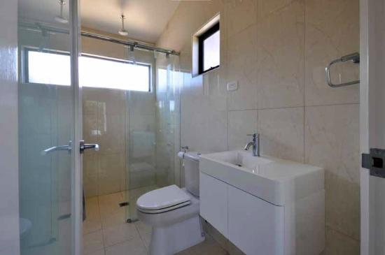 The Dunes Apartments Low Head: Ensuite Bathroom