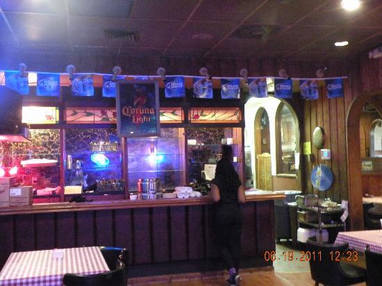 Neely's Bar-B-Que Restaurant : Bar