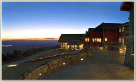 Skycrest restaurant mt magazine lodge ar review of for Cabins near mount magazine