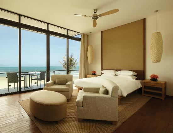 Hyatt Regency Danang Resort & Spa: OceanVilla bedroom