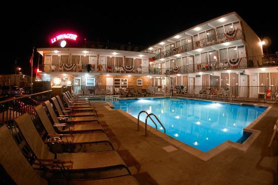 Le Voyageur Motel: piscine