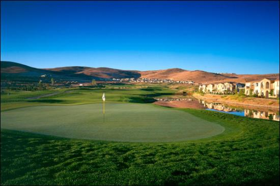 Red Hawk Golf and Resort