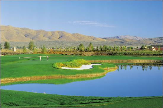 Red Hawk Golf Club Photo