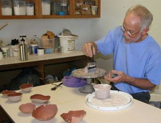 River Arts Chestertown : Pottery class on the wheel