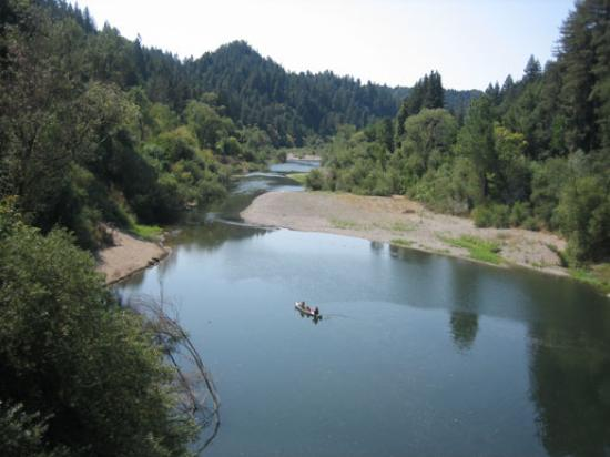 Burke's Canoe Trips on the Russian River Resmi