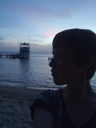 Xbalanque Resort: sunset on beach