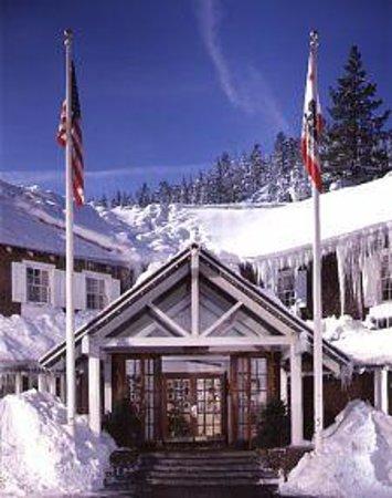 River Ranch Lodge and Restaurant: Close proximity to bi ski mountains