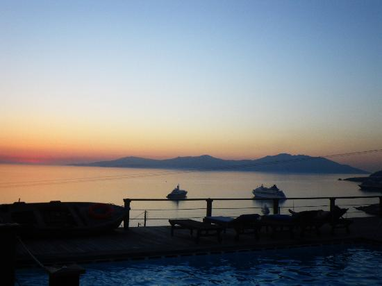 Tharroe of Mykonos Hotel: sunset