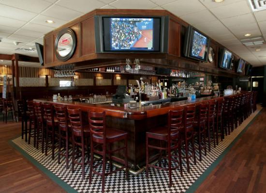 Eli S Restaurant Hamden Ct