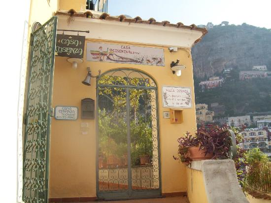 Casa Cosenza: Entrance to Casa Consenza