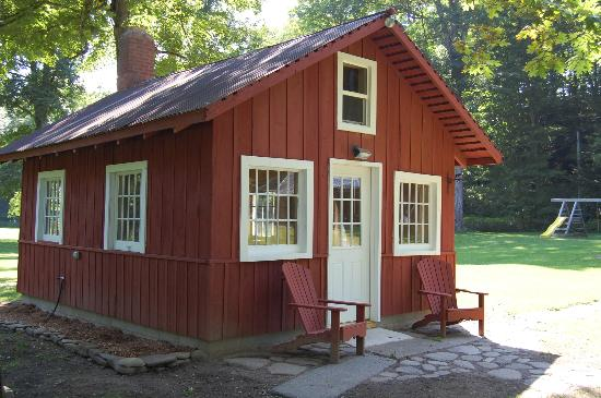 Wellnesste Lodge and Cabin Rentals: Private vacation cabin rentals for 1 to 10 guests at Wellnesste Lodge in NY