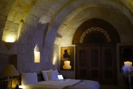 Fresco Cave Suites/Cappadocia: 洞窟ホテルの室内