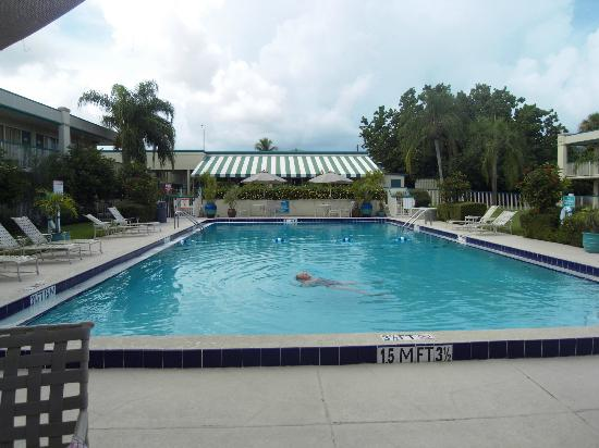 BEST WESTERN Downtown Stuart: Very nice pool