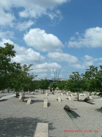 Pentagon Memorial: 1