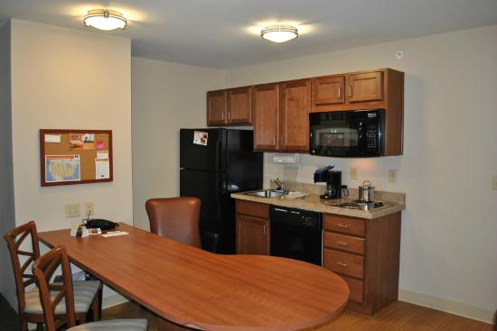 Candlewood Suites Gillette: The kitchen