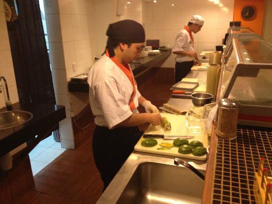 Sushi Home: Preparo do sushi de abacate