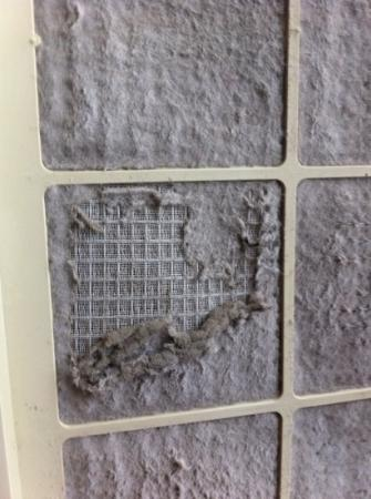 Fairfield Inn & Suites Hartford Airport: Air Filter after scraping off some of the dust